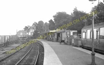 Lyme Regis Railway Station Photo. Combpyne and Axminster Line. L&SWR (28)