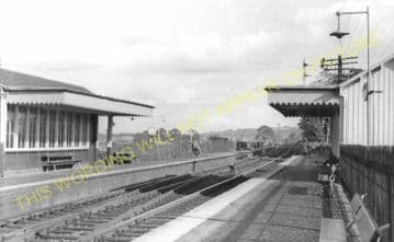Manuel High Level Railway Station Photo. Linlithgow - Polmont. Falkirk Line. (2)