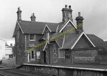 Mellis Railway Station Photo. Finningham to Diss and Eye Lines. (1)..