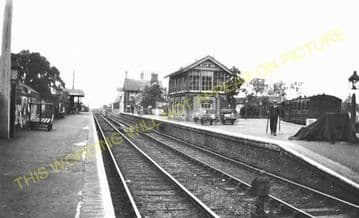 Mellis Railway Station Photo. Finningham to Diss and Eye Lines. (17)