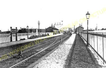 Nitshill Railway Station Photo. Kennishead - Barrhead. GB&K Joint Railway. (1).