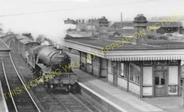 Offord & Buckden Railway Station Photo. Huntingdon - St. Neots. Sandy Line. (2).