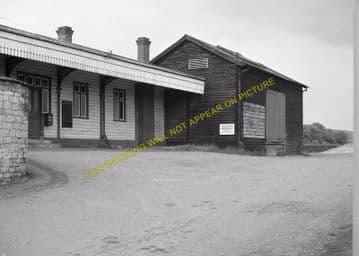 Seaton & Uppingham Railway Station Photo. Rockingham - Morcott. L&NWR. (17)