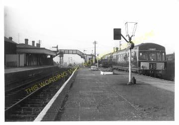 Seaton & Uppingham Railway Station Photo. Rockingham - Morcott. L&NWR. (21)