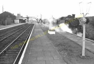 Seaton & Uppingham Railway Station Photo. Rockingham - Morcott. L&NWR. (22)