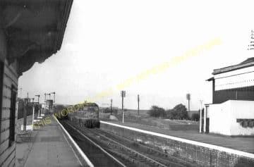 Seaton & Uppingham Railway Station Photo. Rockingham - Morcott. L&NWR. (28)