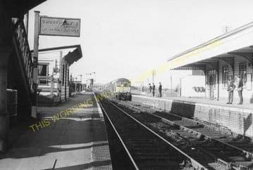 Seaton & Uppingham Railway Station Photo. Rockingham - Morcott. L&NWR. (4)