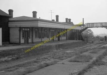 Seaton & Uppingham Railway Station Photo. Rockingham - Morcott. L&NWR. (8)