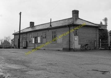 Somersham Railway Station Photo. St. Ives to Warboys and Chatteris Lines. (8)
