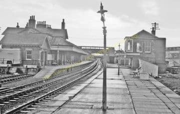 St. Boswells Railway Station Photo. Melrose, Earlston and Maxton Lines (4)