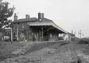 St. Ives Railway Station Photo. Swavesey to Bluntisham and Huntingdon Lines (16)