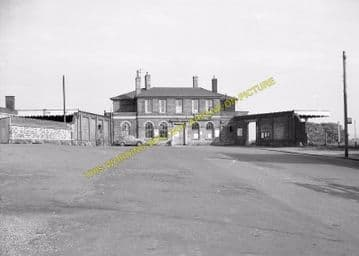 St. Ives Railway Station Photo. Swavesey to Bluntisham and Huntingdon Lines (20)