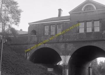 Tadworth & Walton-on-the-Hill Railway Station Photo. Tattenham Corner Line. (20)