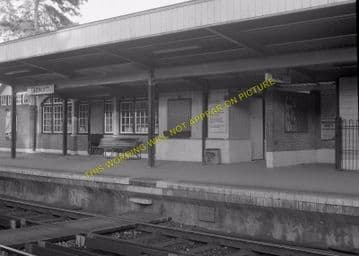 Tadworth & Walton-on-the-Hill Railway Station Photo. Tattenham Corner Line. (23)