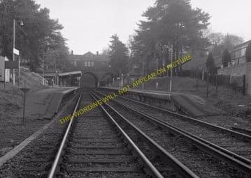 Tadworth & Walton-on-the-Hill Railway Station Photo. Tattenham Corner Line. (29)