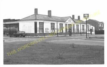 Tattenham Corner Railway Station Photo. Tadworth, Chipstead and Purley Line (10)