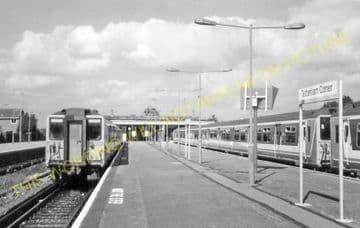 Tattenham Corner Railway Station Photo. Tadworth, Chipstead and Purley Line (33)