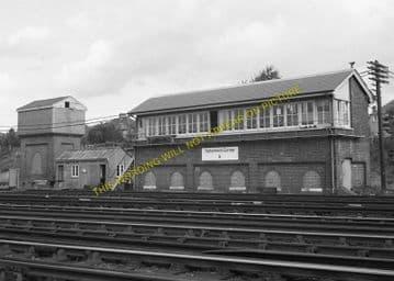 Tattenham Corner Railway Station Photo. Tadworth, Chipstead and Purley Line. (8)