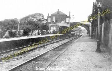 Tongham Railway Station Photo. Ash Green - Farnham. Guildford to Alton Line. (2)
