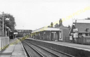 Upper Warlingham Railway Station Photo. Woldingham - Sanderstead. (8)