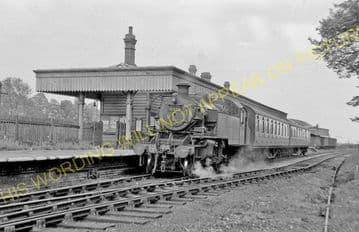 Uppingham Railway Station Photo. Seaton Line. London & North Western Rly. (9)