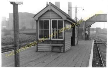 Waddon Marsh Railway Station Photo. Croydon - Beddington Lane. Mitcham Line. (3)