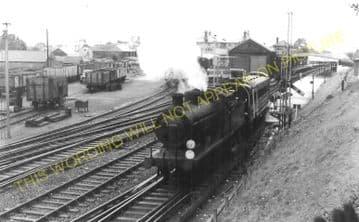 Wallington Railway Station Photo. Carshalton Beeches - Bandon. Sutton Line. (11).