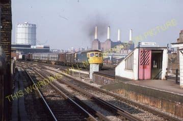 Wandsworth Road Railway Station Photo. Victoria - Clapham. Brixton Line. (4)