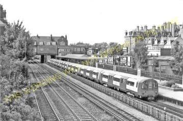 West Hampstead Railway Station Photo. Kilburn Road - Finchley Road. (5)