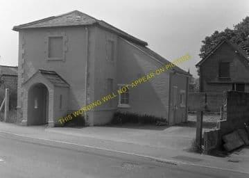 West Moors Railway Station Photo. Wimborne to Verwood and Ringwood Lines. (11)