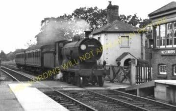 West Moors Railway Station Photo. Wimborne to Verwood and Ringwood Lines. (15)