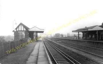 West Weybridge Railway Station Photo. Walton - Byfleet. Esher to Woking Line. (1)