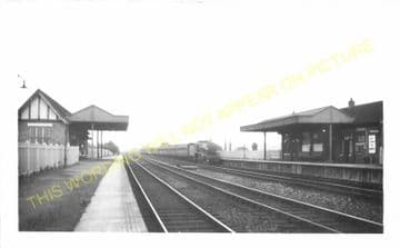 West Weybridge Railway Station Photo. Walton - Byfleet. Esher to Woking Line. (3).