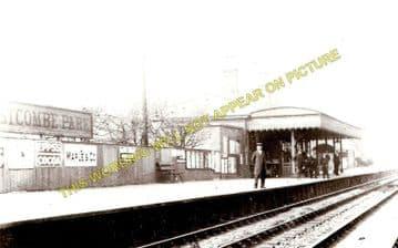 Westcombe Park Railway Station Photo. Maze Hill - Charlton. Woolwich Line. (2)