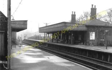 Westcombe Park Railway Station Photo. Maze Hill - Charlton. Woolwich Line. (3)