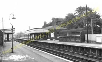 Westcombe Park Railway Station Photo. Maze Hill - Charlton. Woolwich Line. (4)