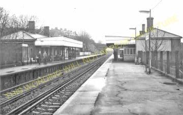 Westcombe Park Railway Station Photo. Maze Hill - Charlton. Woolwich Line. (5)