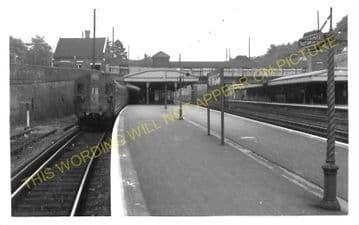 Weybridge Railway Station Photo. Walton - Byfleet. Esher to Woking Line. (4)