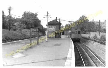 Wimbledon Park Railway Station Photo. Wimbledon - Southfields. Putney Line. (2)