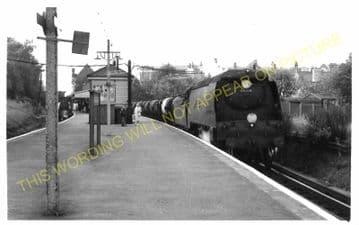 Wimbledon Park Railway Station Photo. Wimbledon - Southfields. Putney Line. (3)
