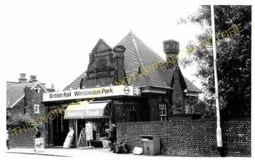 Wimbledon Park Railway Station Photo. Wimbledon - Southfields. Putney Line. (4)