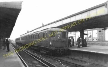 Wimbledon Railway Station Photo. London & South Western Railway. (13)