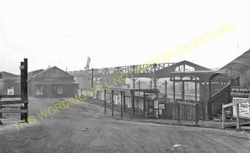 Wimbledon Railway Station Photo. London & South Western Railway. (3)