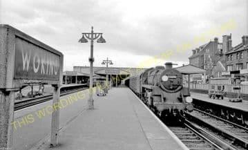 Woking Railway Station Photo. Byfleet to Brookwood and Worplesdon Lines. (10)..