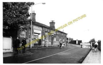 Woodside & South Norwood Railway Station Photo. Elmers End - Addiscombe Road (4)