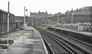 Woolwich Arsenal Railway Station Photo. Charlton - Plumstead. Greenwich Line (10)