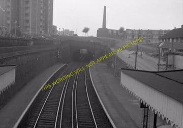 Woolwich Dockyard Railway Station Photo. Charlton - Plumstead. SE&CR (13)