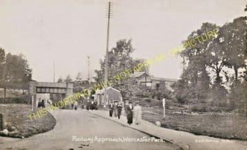 Worcester Park Railway Station Photo. Motspur Park - Ewell. Epsom Line. LSWR (6).