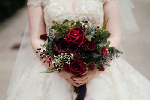 Bianca Winter red burgundy bouquet