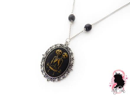 Antique Silver Conjoined Twin Cameo Necklace